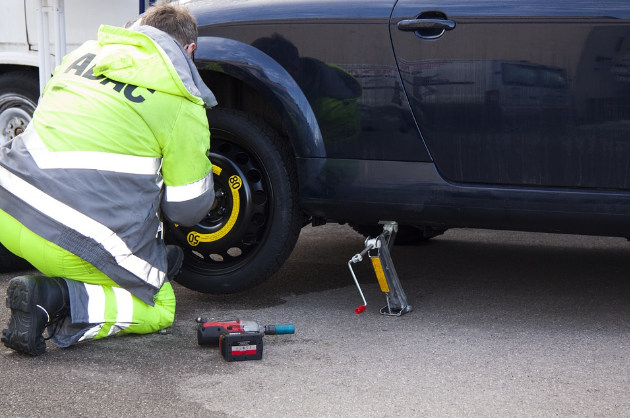 Kansas City 24-Hour Flat Tire Repair